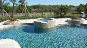 002 - Freeform Pool with Raised Spa