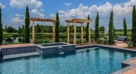015 - Classic Pool with Raised Spa