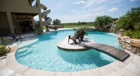 016 - Freeform Island Pool