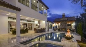 032 - Classic Pool and Spa with Fire Bowl