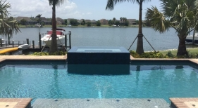 1015 - Classic Pool with Raised Spa