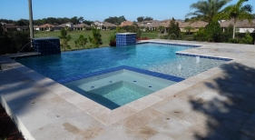 1022 - Infinity Edge Pool with Leveled Spa