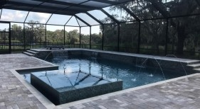 1024 - Classic Pool with Raised Spa