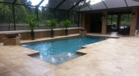 212 - Classic Pool with Sunshelf and Water Bowls