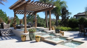 3010 - Tiered Square Spa with Bubblers