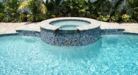 3016 - Glass Tile Spa
