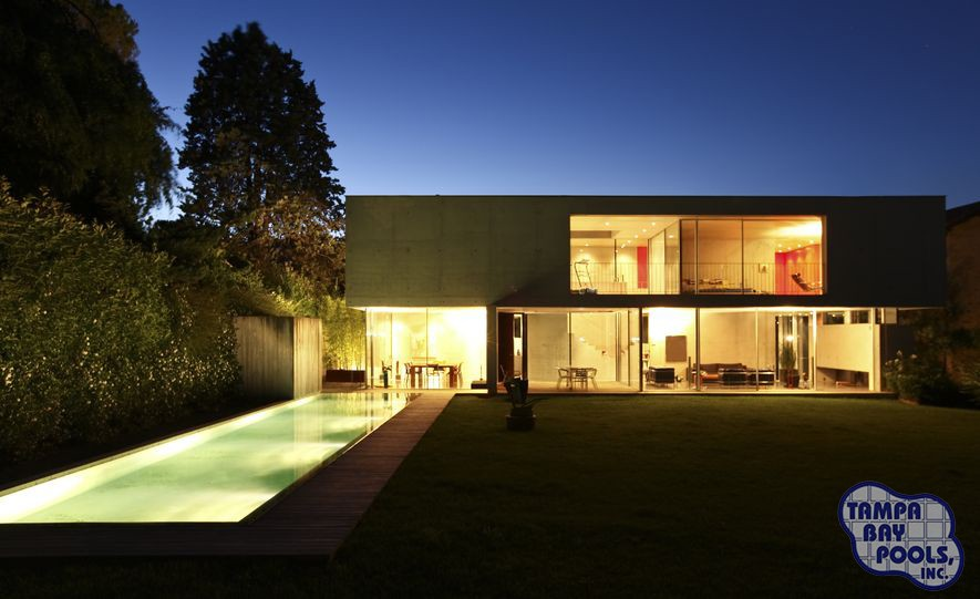 4 Bright Ideas for Pool Lighting
