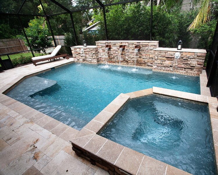 3 Reasons to Build a Custom Pool in Tampa Bay