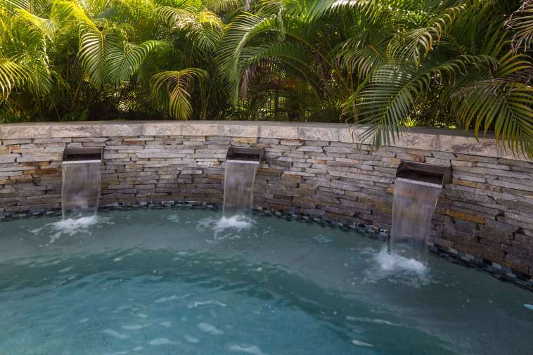 Top 10 Awesome Swimming Pool Features To Add To Your Tampa Bay Poolscape